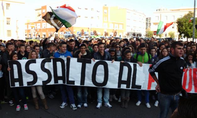 """LATINA: Centinaia di studenti alla """"Corsa contro tutti"""""""