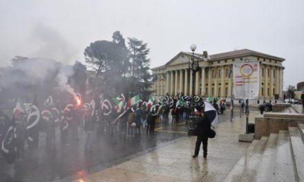 Università: Blocco studentesco in piazza a Verona, cariche della polizia ma la manifestazione è proseguita