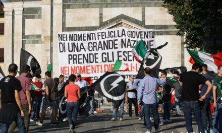 Prato: Blocco Studentesco, circa 200 studenti davanti al Castello dell'Imperatore contro il governo Monti