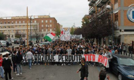 Latina: Blocco Studentesco, più di 600 studenti in piazza per dire no ai tagli all'istruzione