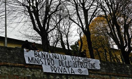 Perugia: Blitz del Blocco Studentesco all'inaugurazione dell'anno accademico.