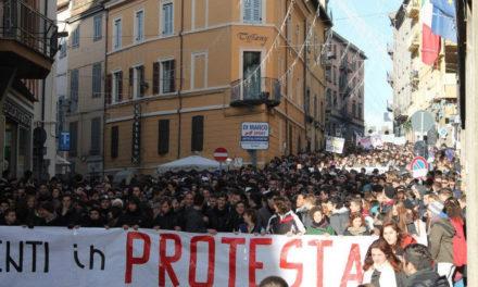 Viterbo: Blocco Studentesco partecipa a un corteo unitario di 2000 studenti