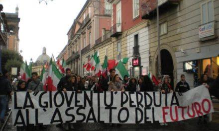 Giugliano (NA): Blocco Studentesco in corteo con gli studenti del Minzoni e del Marconi contro il governo dei banchieri