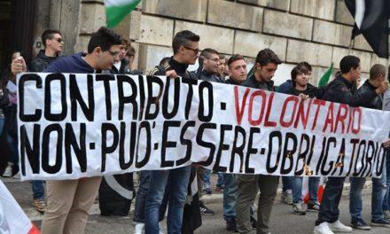 """ASCOLI PICENO: Blocco Studentesco manifesta per dire no al """"contributo volontario"""""""