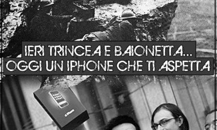 """Blocco Studentesco: """"blitz"""" con uova e gavettoni contro gente in fila per iphone 6 a 'Porta di Roma'"""