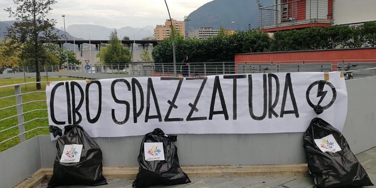 Indottrinamento politico nelle scuole, blitz del Blocco Studentesco a Bolzano