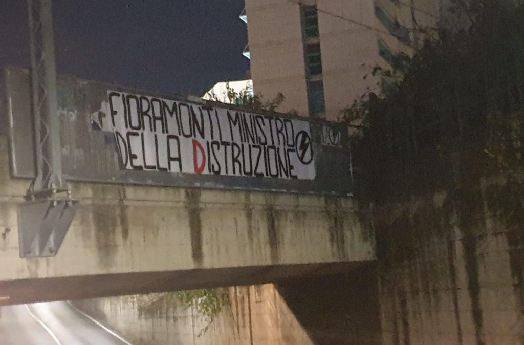 blocco studentesco azione contro ministro lorenzo finamonti greta ambiente distruzione ascoli piceno