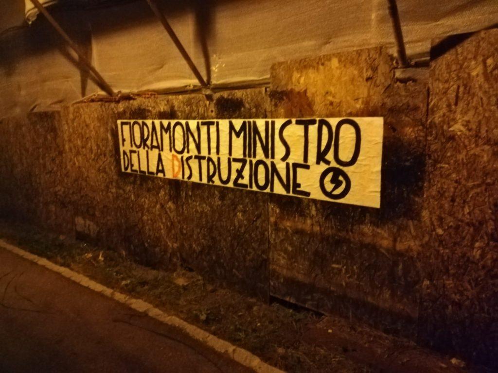 blocco studentesco azione contro ministro lorenzo finamonti greta ambiente distruzione bolzano