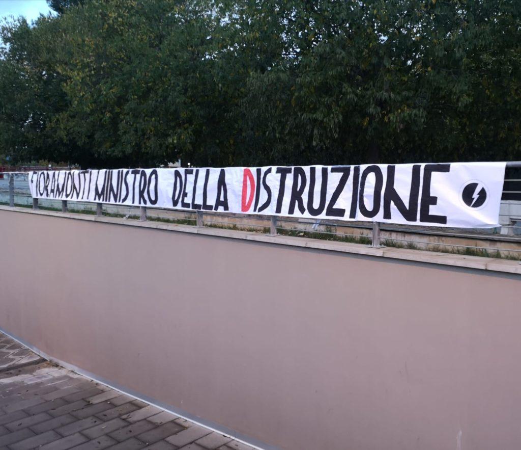 blocco studentesco azione contro ministro lorenzo finamonti greta ambiente distruzione foligno