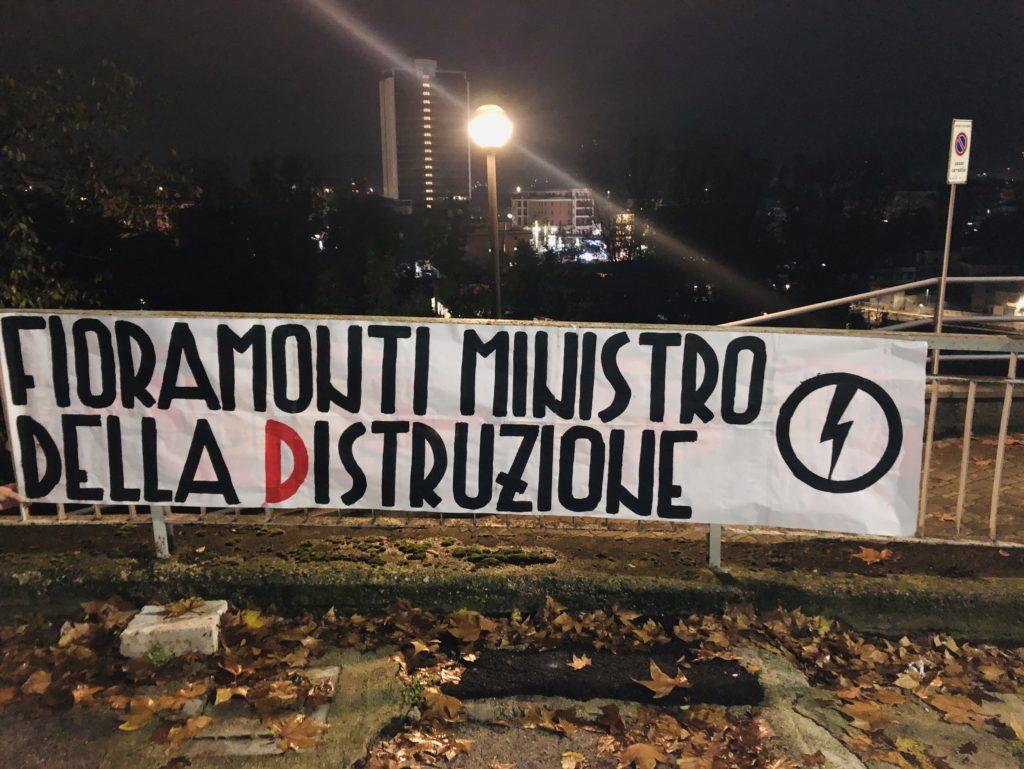 blocco studentesco azione contro ministro lorenzo finamonti greta ambiente distruzione frosinone