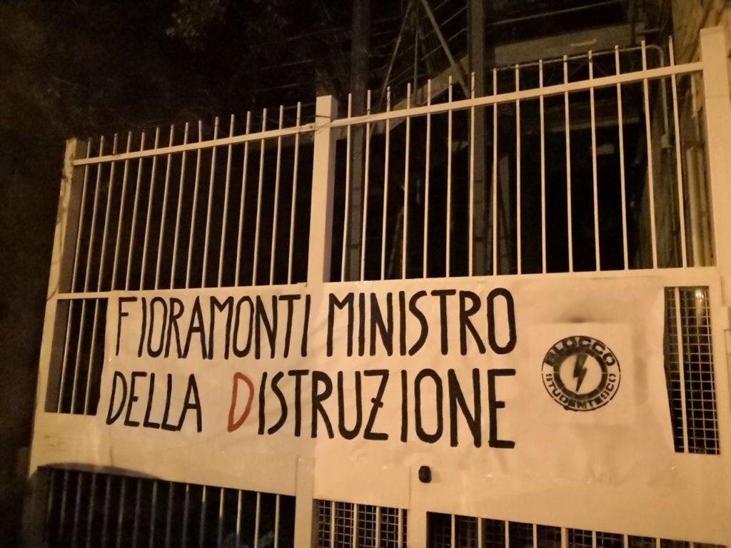 blocco studentesco azione contro ministro lorenzo finamonti greta ambiente distruzione genova