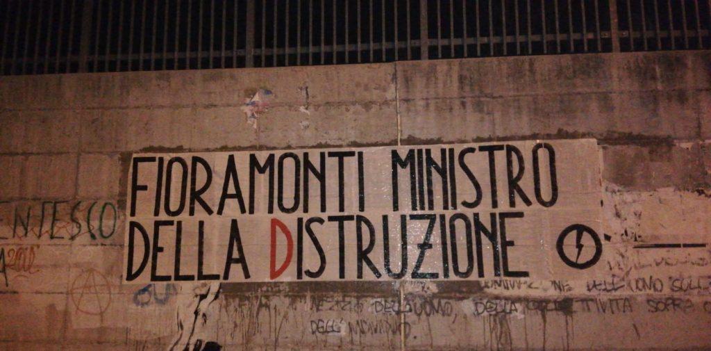 blocco studentesco azione contro ministro lorenzo finamonti greta ambiente distruzione l'aquila