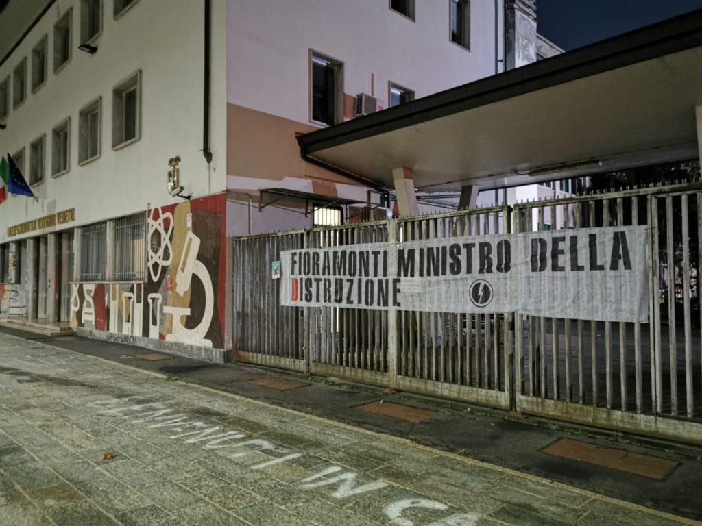 blocco studentesco azione contro ministro lorenzo finamonti greta ambiente distruzione milano