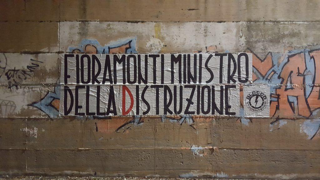 blocco studentesco azione contro ministro lorenzo finamonti greta ambiente distruzione perugia