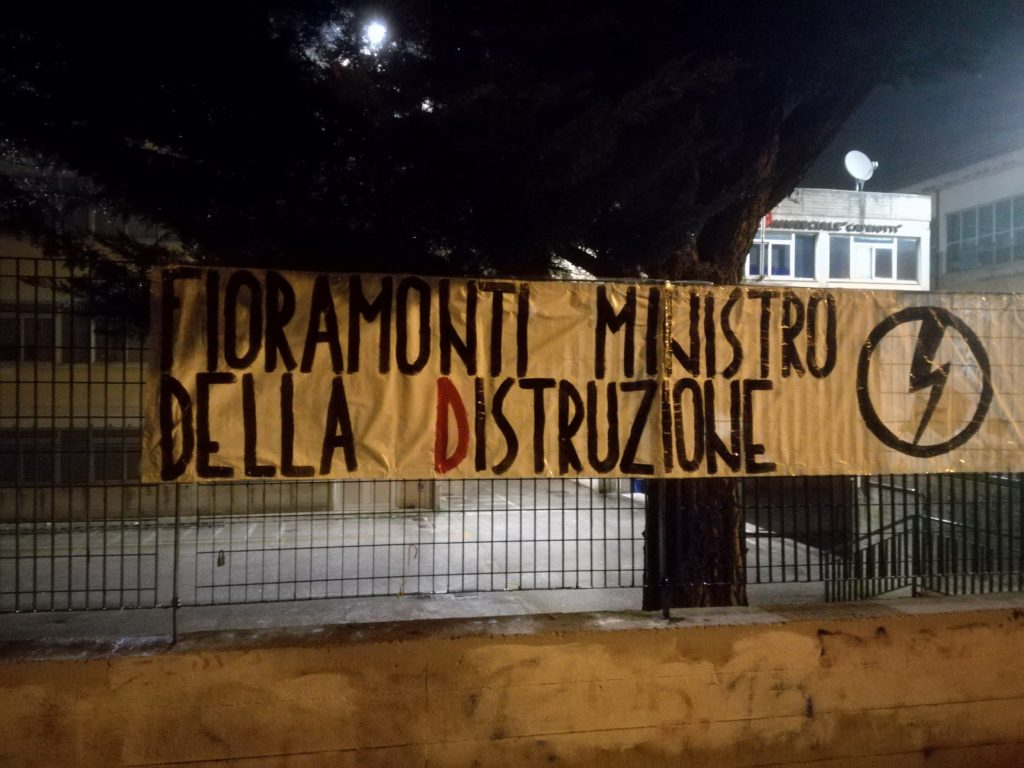 blocco studentesco azione contro ministro lorenzo finamonti greta ambiente distruzione san benedetto del tronto