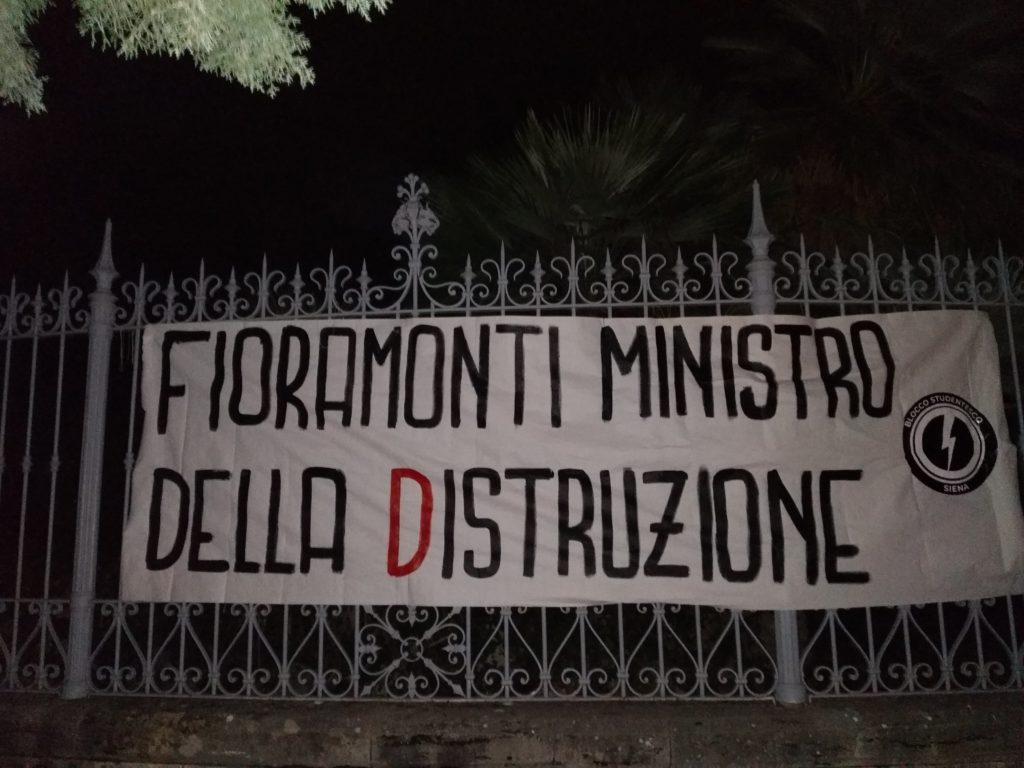 blocco studentesco azione contro ministro lorenzo finamonti greta ambiente distruzione siena