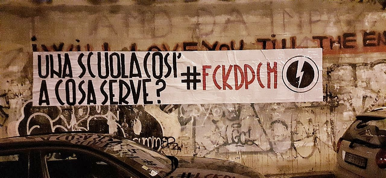 """BLOCCO STUDENTESCO: """"UNA SCUOLA COSÌ A COSA SERVE?"""""""