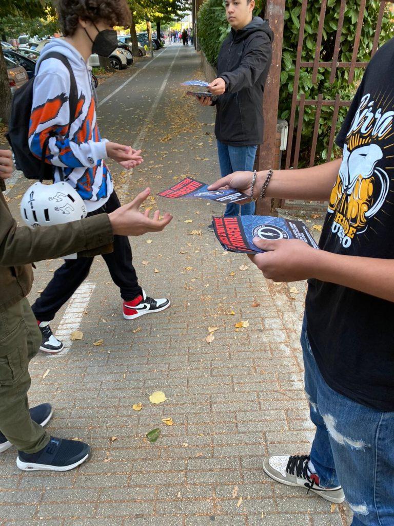 blocco studentesco rieti 4 ottobre mantieni la distanza dalle finestre 7