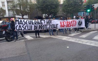 BLOCCO STUDENTESCO TRIESTE SCENDE IN PIAZZA PER PROTESTARE AL FIANCO DEGLI STUDENTI DEL LICEO PETRARCA